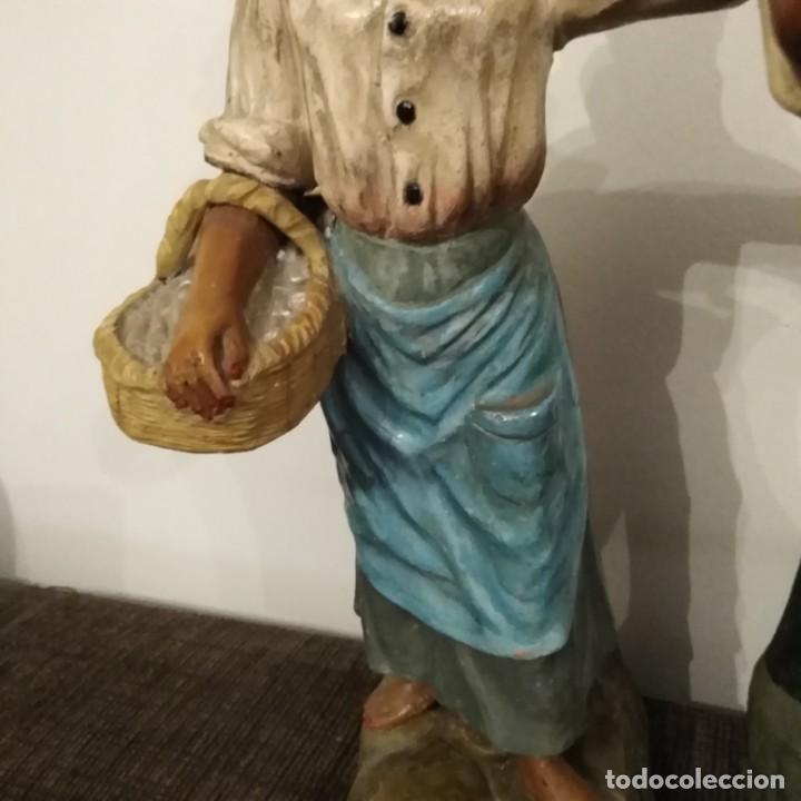 Arte: Antigua pareja de figuras de barro granadino, cenacheros malagueños años 20 - Foto 10 - 193868800