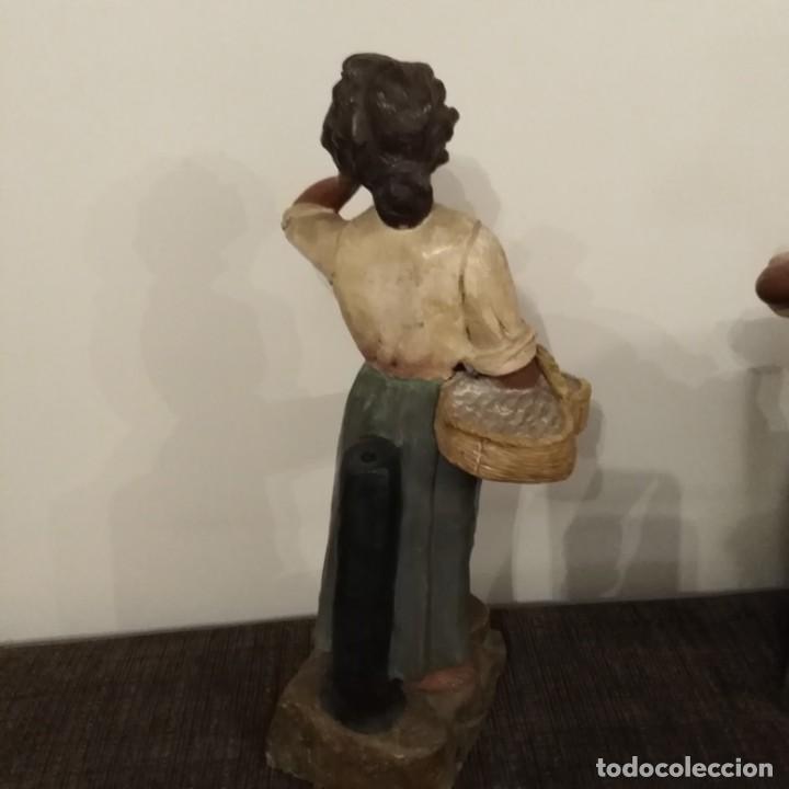 Arte: Antigua pareja de figuras de barro granadino, cenacheros malagueños años 20 - Foto 17 - 193868800