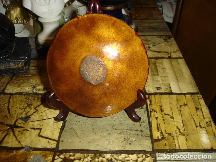 Arte: muy bonito y recogido plato en esmalte de limoges esta firmado - Foto 5 - 194113730