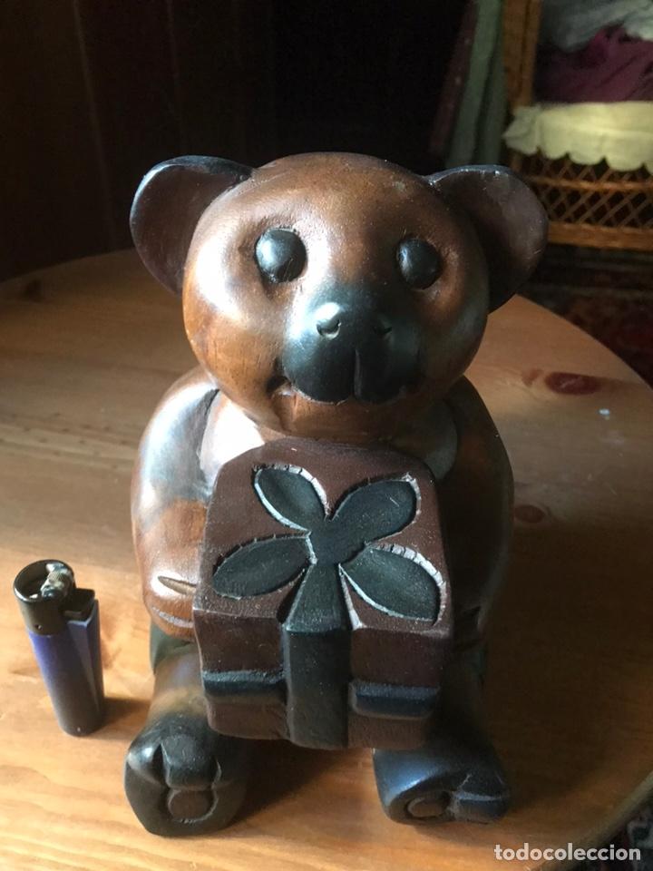"""Arte: Talla de madera """" oso con caja de regalo """" , años 50 - Foto 2 - 194117951"""