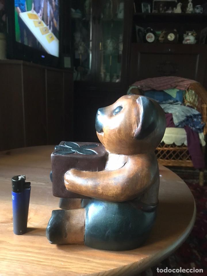 """Arte: Talla de madera """" oso con caja de regalo """" , años 50 - Foto 3 - 194117951"""