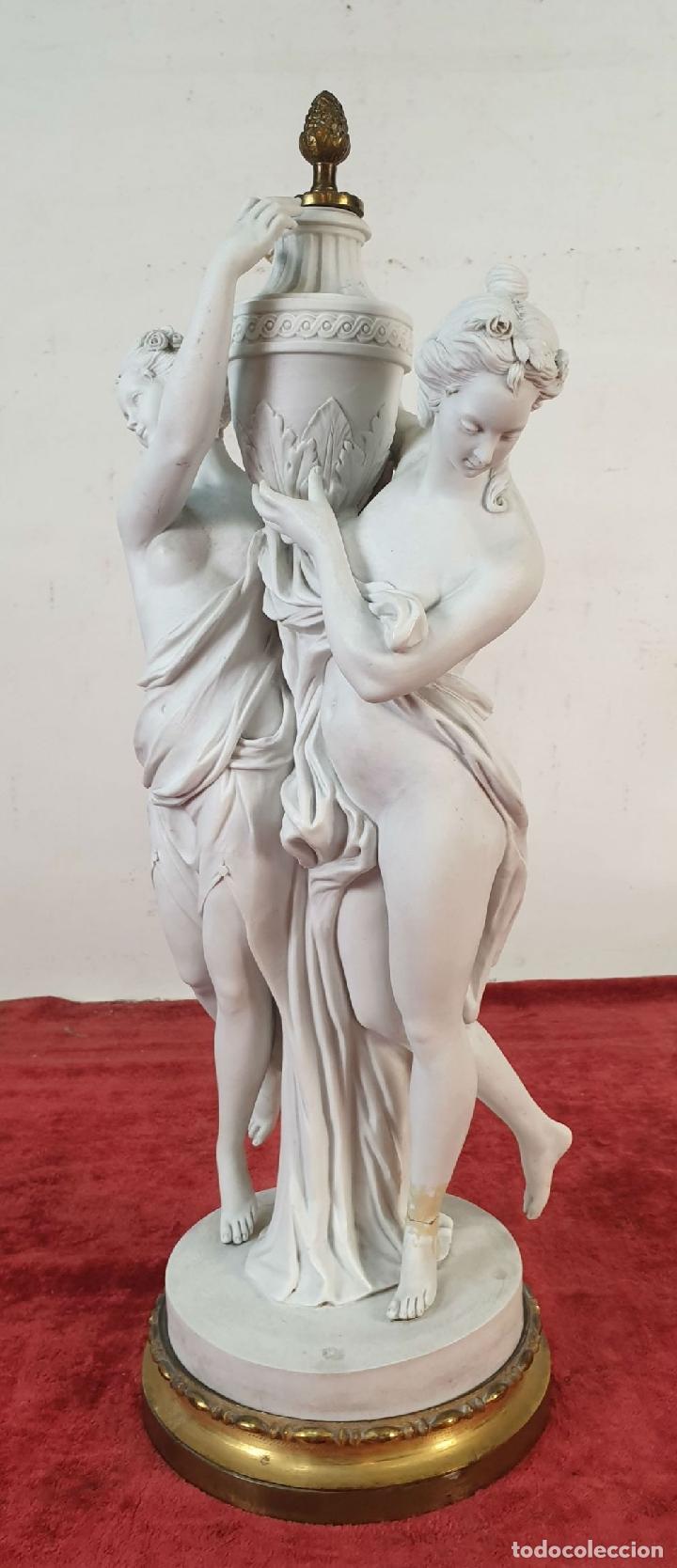 Arte: PAREJA DE VENUS. ESCULTURA EN PORCELANA. BASE DE BRONCE. SIGLO XVIII-XIX - Foto 7 - 194282847