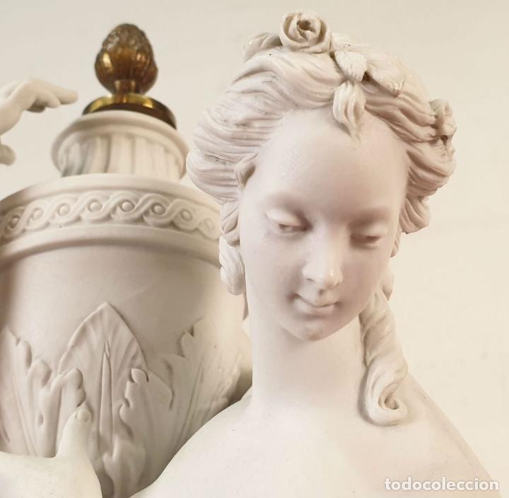 Arte: PAREJA DE VENUS. ESCULTURA EN PORCELANA. BASE DE BRONCE. SIGLO XVIII-XIX - Foto 8 - 194282847