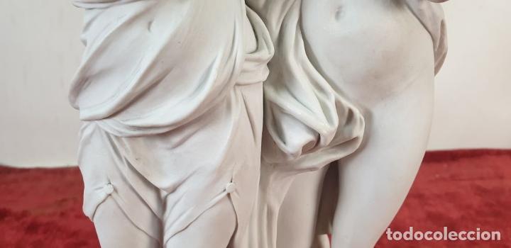 Arte: PAREJA DE VENUS. ESCULTURA EN PORCELANA. BASE DE BRONCE. SIGLO XVIII-XIX - Foto 9 - 194282847