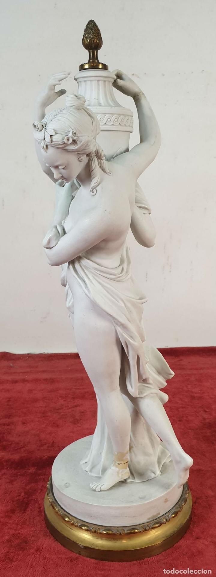 Arte: PAREJA DE VENUS. ESCULTURA EN PORCELANA. BASE DE BRONCE. SIGLO XVIII-XIX - Foto 10 - 194282847