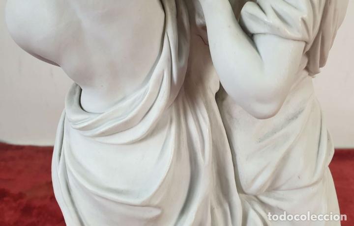 Arte: PAREJA DE VENUS. ESCULTURA EN PORCELANA. BASE DE BRONCE. SIGLO XVIII-XIX - Foto 15 - 194282847