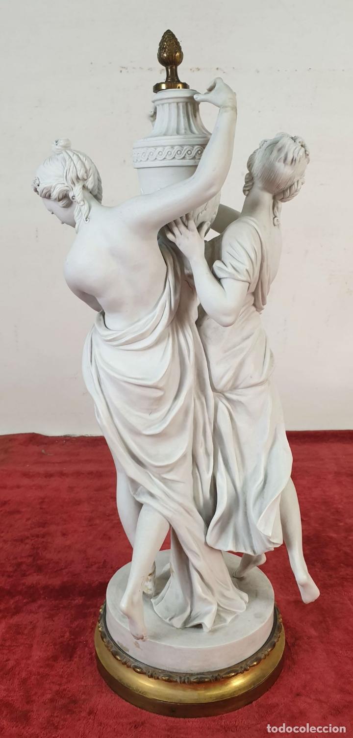 Arte: PAREJA DE VENUS. ESCULTURA EN PORCELANA. BASE DE BRONCE. SIGLO XVIII-XIX - Foto 16 - 194282847