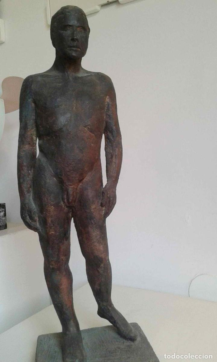 Arte: Magnifica figura masculina en material refractario policromado: El joven Marc. Mitad del siglo 20 - Foto 2 - 194333229