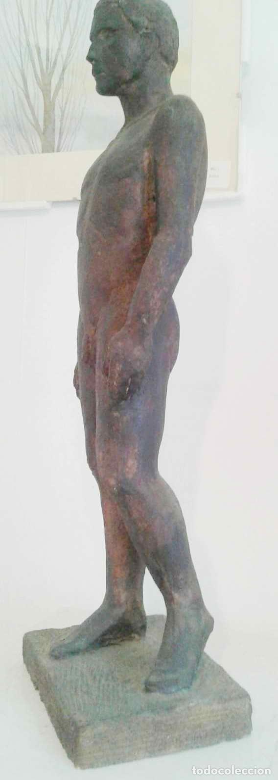 Arte: Magnifica figura masculina en material refractario policromado: El joven Marc. Mitad del siglo 20 - Foto 7 - 194333229