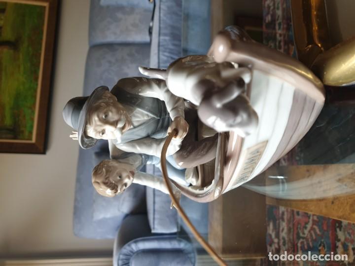 Arte: Lladró porcelana barca Paloma abuelo y niño - Foto 3 - 194348833