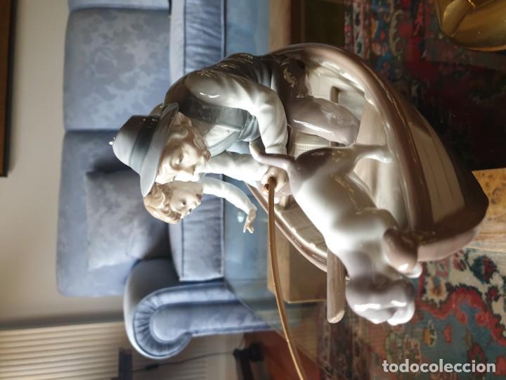 Arte: Lladró porcelana barca Paloma abuelo y niño - Foto 8 - 194348833