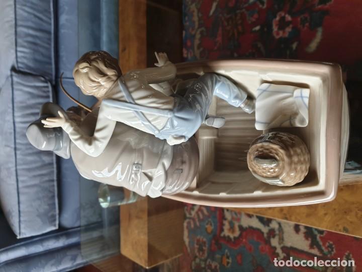 Arte: Lladró porcelana barca Paloma abuelo y niño - Foto 9 - 194348833