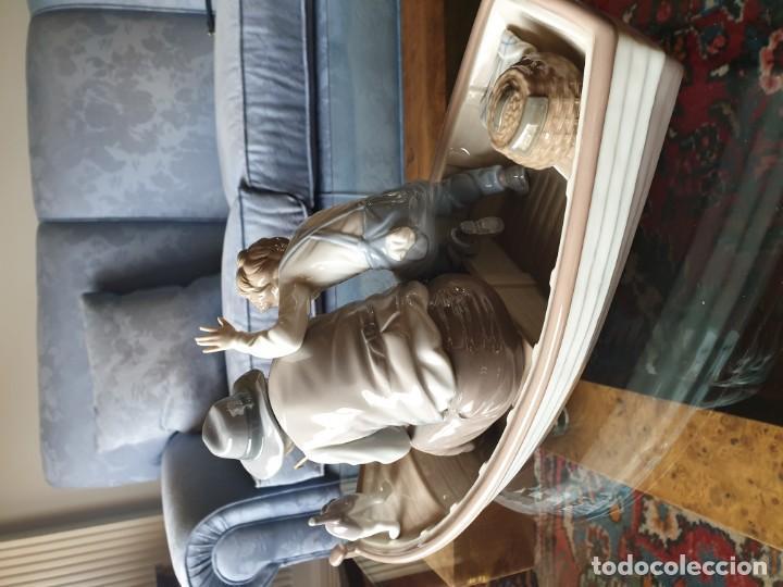 Arte: Lladró porcelana barca Paloma abuelo y niño - Foto 10 - 194348833