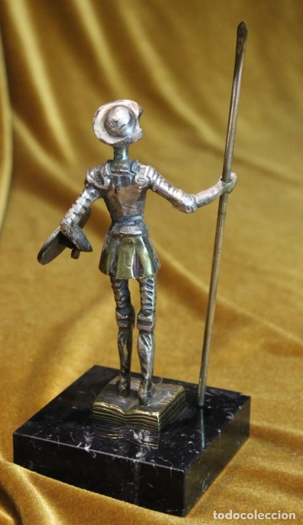 Arte: Pequeña figura de D.Quijote, metal plateado, sobre peana de mármol,15 cm de altura - Foto 4 - 194529431