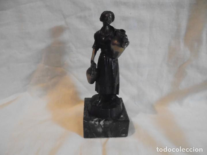 Arte: FIGURA DE BRONCE MUJER CON CANTAROS Y BASE DE MARMOL - Foto 4 - 194531356