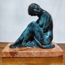 Arte: JUAN DE ÁVALOS Y TABORDA (1911-2006) ART DECO ESCULTURA DE BRONCE LA COQUETA SIGLO XX. Lote 194684718
