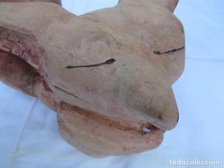 Arte: Simpático zorro o zorrillo tallado en una sola pieza de madera, 2900 gramos de peso - Foto 9 - 194878713