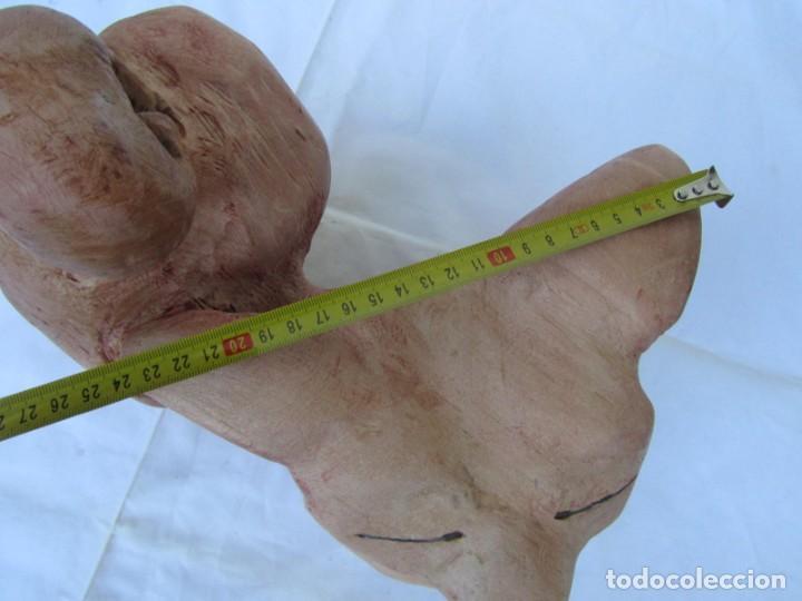 Arte: Simpático zorro o zorrillo tallado en una sola pieza de madera, 2900 gramos de peso - Foto 12 - 194878713