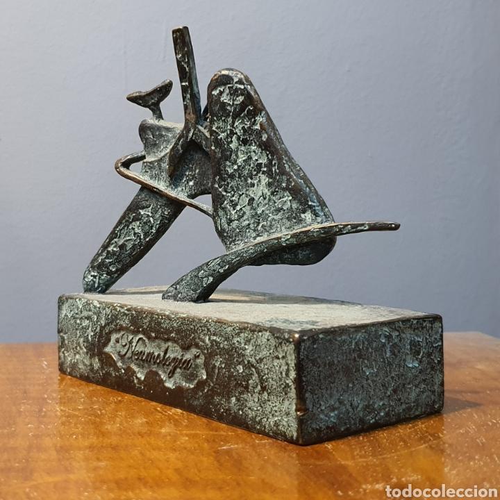JOSÉ LUIS FERNANDEZ, RARA ESCULTURA EN BRONCE MÉDICA, FIRMADA EN PEANA. (Arte - Escultura - Bronce)