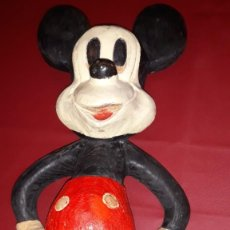 Arte: ANTIGUA FIGURA DE MADERA DE MICKEY MOUSE. Lote 195145446