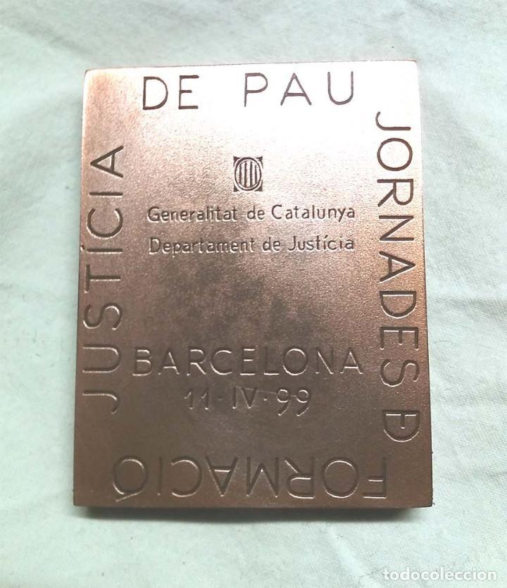 Arte: Escultura Subirachs Justicia 25 anys lingote de cobre. Med. 5,50 x 7 x 0,80 cm, peso 300 g - Foto 3 - 195359473
