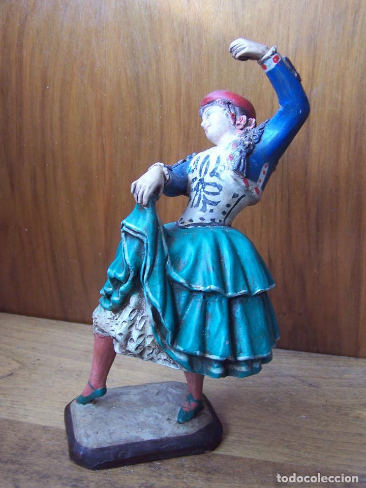 Arte: Figura de terracota de una Granadina bailando y tocando las castañuelas, barro granadino. - Foto 2 - 195629510