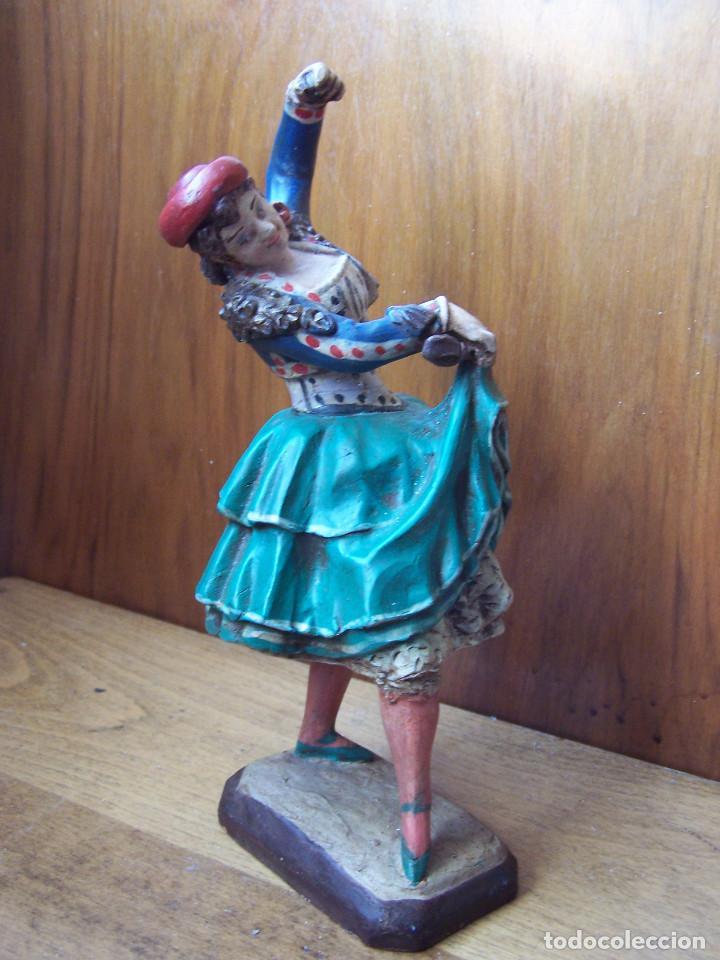 Arte: Figura de terracota de una Granadina bailando y tocando las castañuelas, barro granadino. - Foto 3 - 195629510