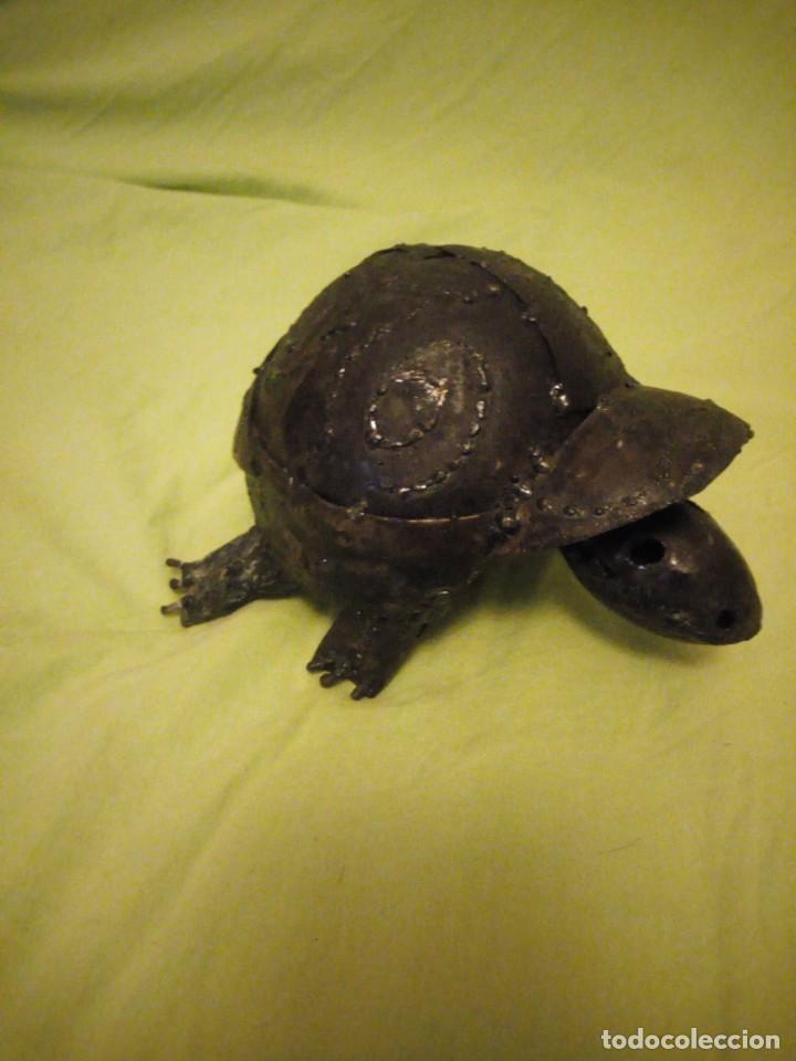 Arte: Bonita tortuga hecha de retales de metal,chapa.balancea la cabeza - Foto 3 - 195932688