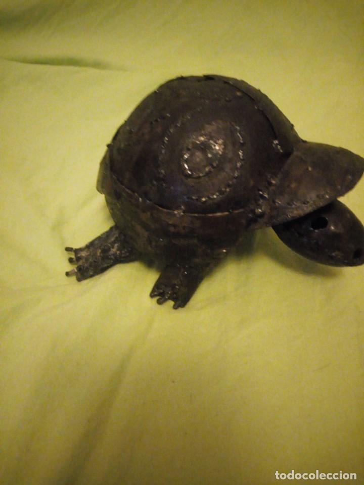 Arte: Bonita tortuga hecha de retales de metal,chapa.balancea la cabeza - Foto 4 - 195932688