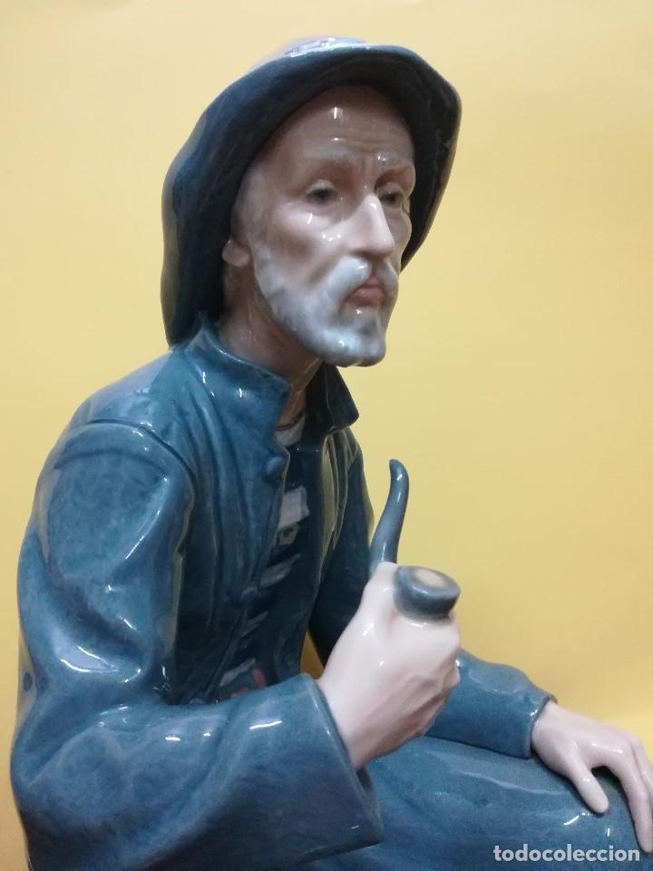 Arte: Magnifica figuara de porcelana Nao de un señor fumando en pipa - Foto 3 - 196114191