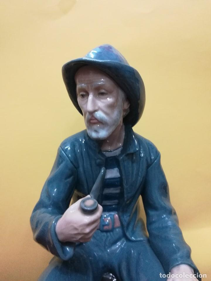 Arte: Magnifica figuara de porcelana Nao de un señor fumando en pipa - Foto 4 - 196114191