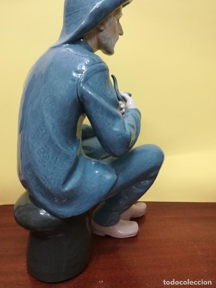 Arte: Magnifica figuara de porcelana Nao de un señor fumando en pipa - Foto 6 - 196114191