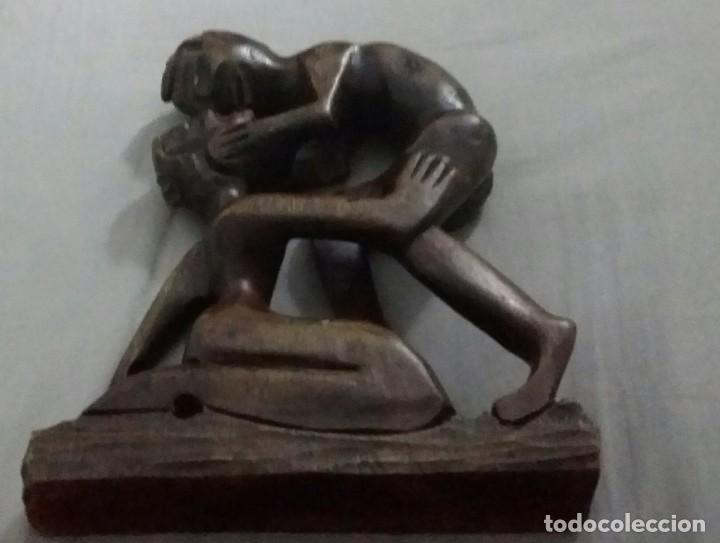 Arte: HERMOSA ESCULTURA DE MADERA TALLADA : EL BESO . LABRADO EN UNA SOLA PIEZA - Foto 8 - 196359972