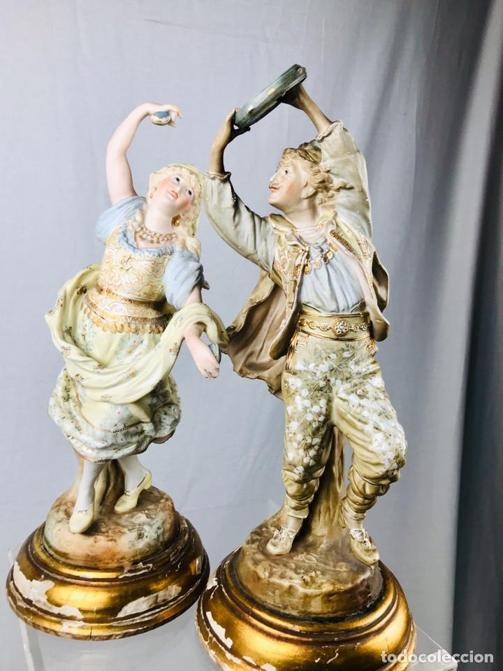 PAREJA DE FIGURAS DE PORCELANA. (Arte - Escultura - Porcelana)