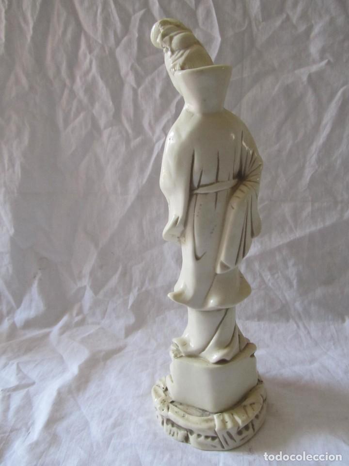 Arte: Estilizada figura de joven china o japonesa en resina, símil marfil - Foto 13 - 198196852
