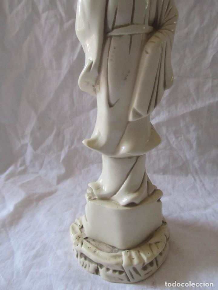Arte: Estilizada figura de joven china o japonesa en resina, símil marfil - Foto 15 - 198196852