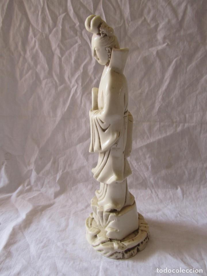 Arte: Estilizada figura de joven china o japonesa en resina, símil marfil - Foto 16 - 198196852