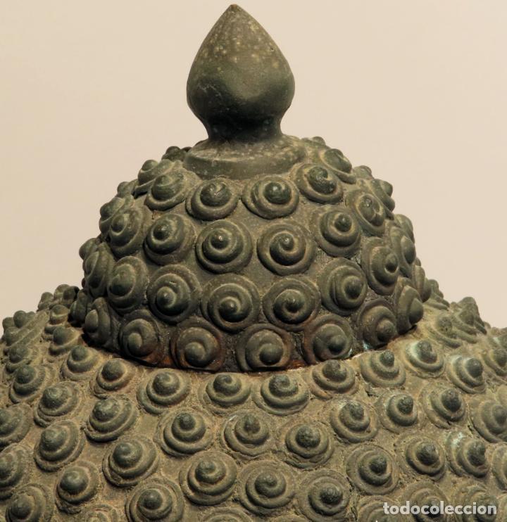 Arte: Busto de Buda en bronce con cabujón de piedras duras y peana de madera China siglo XIX - Foto 3 - 198812200