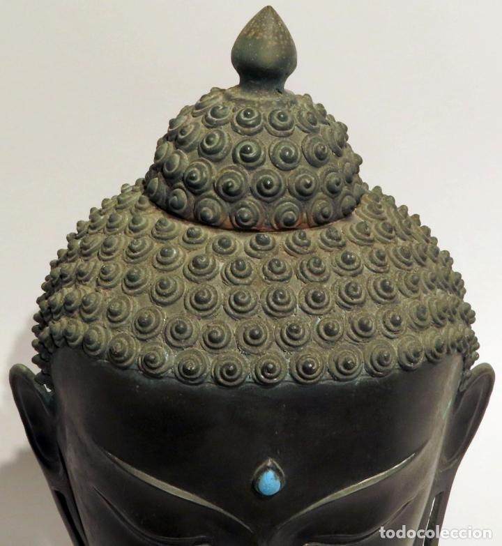 Arte: Busto de Buda en bronce con cabujón de piedras duras y peana de madera China siglo XIX - Foto 4 - 198812200