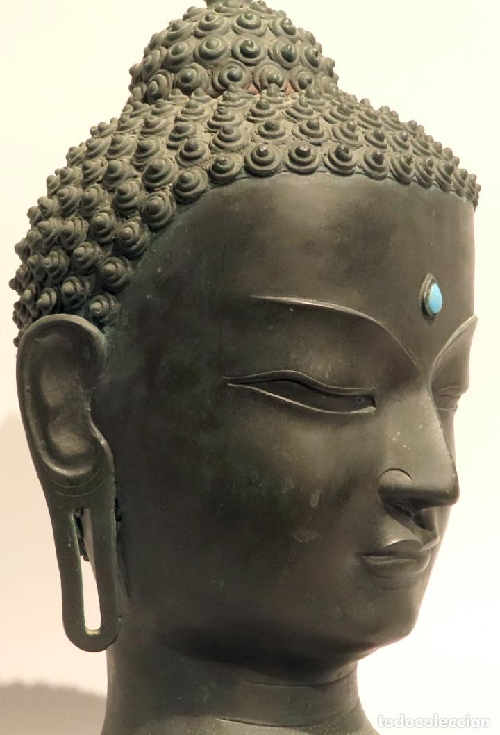 Arte: Busto de Buda en bronce con cabujón de piedras duras y peana de madera China siglo XIX - Foto 8 - 198812200