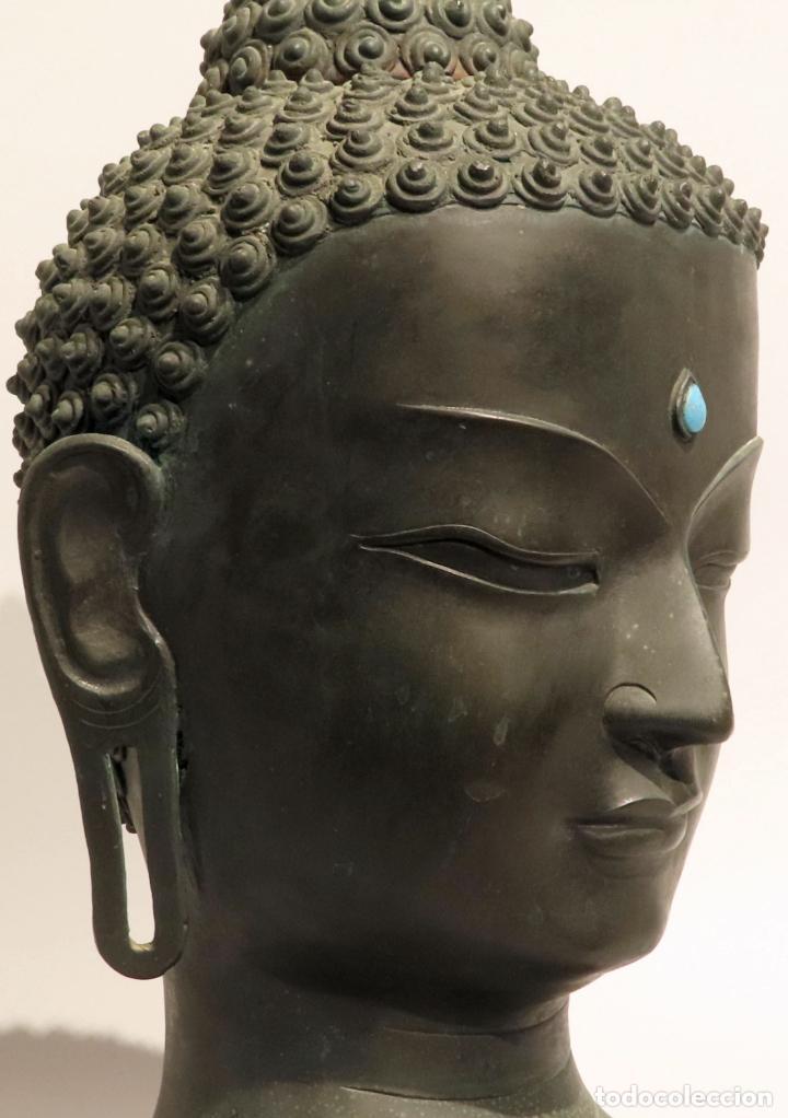 Arte: Busto de Buda en bronce con cabujón de piedras duras y peana de madera China siglo XIX - Foto 9 - 198812200
