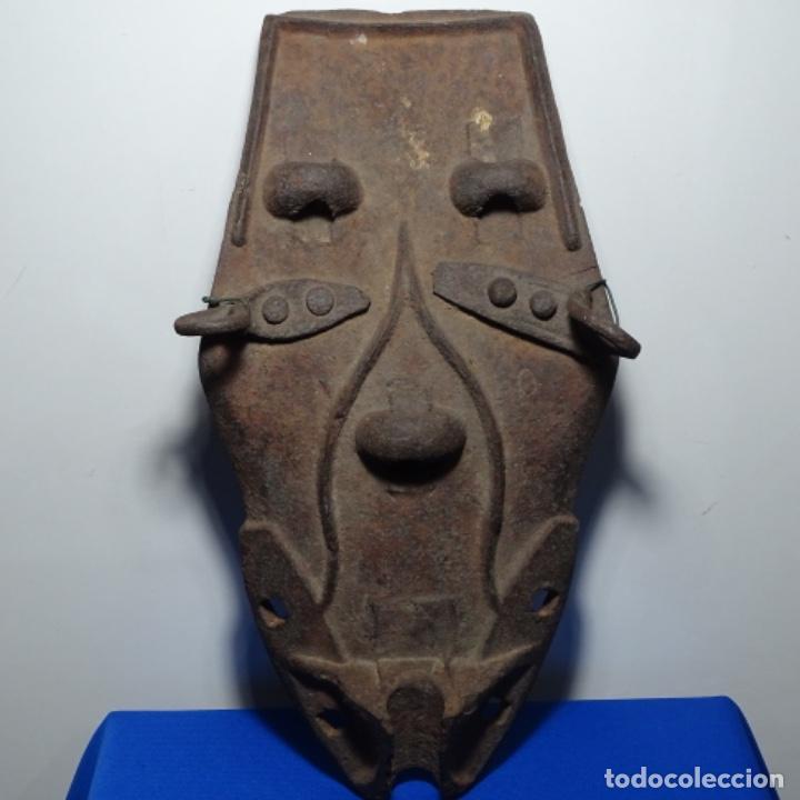 EXTRAÑA ESCULTURA DE HIERRO. (Arte - Escultura - Hierro)