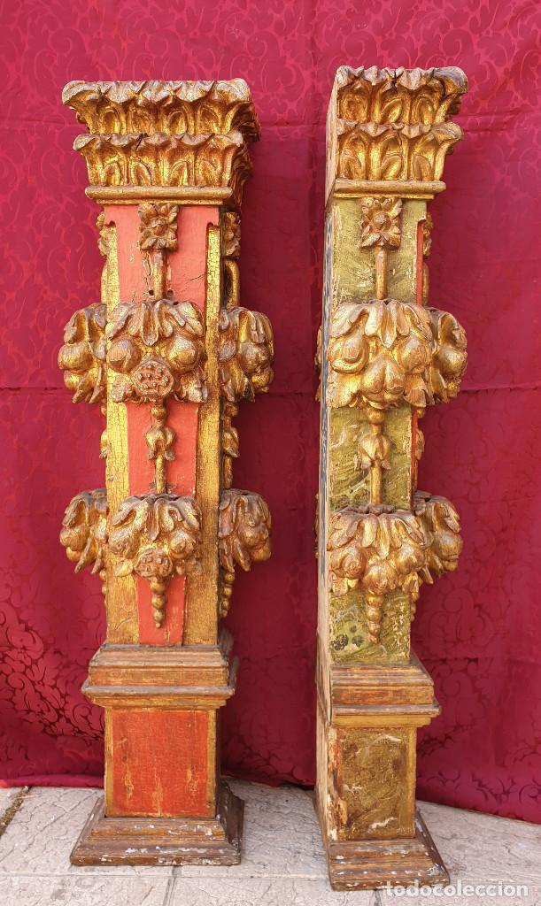 Arte: Importante pareja de pilastras en madera tallada, dorada y policromada en rojo y verde. Siglo XVII. - Foto 3 - 201274028