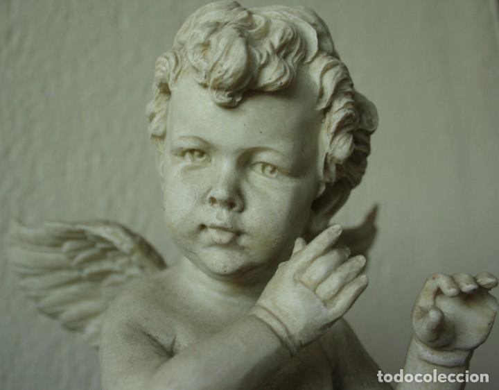 Arte: ANGEL O QUERUBIN SOBRE LA BOLA DEL MUNDO DE RESINA TENIA UNA FLAUTA 1748 GR ALTURA 50 CM DIAME 13CM - Foto 3 - 201555688