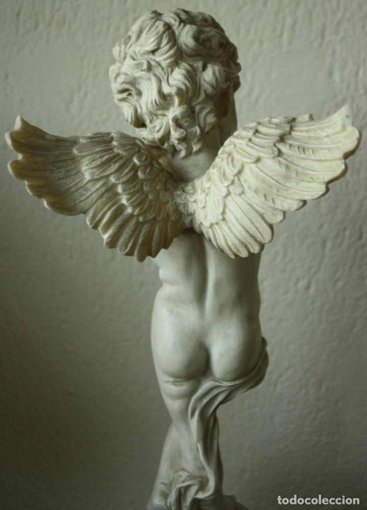 Arte: ANGEL O QUERUBIN SOBRE LA BOLA DEL MUNDO DE RESINA TENIA UNA FLAUTA 1748 GR ALTURA 50 CM DIAME 13CM - Foto 6 - 201555688