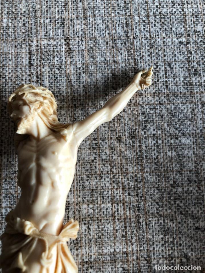 Arte: elegante cristo de marfil antiguo s. xix le falta un brazo 19 cms - Foto 3 - 202702976