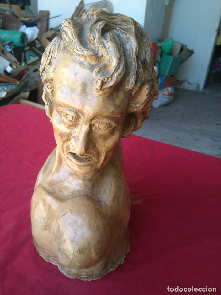 FIGURA ESCULTURA TERRACOTA CON NOMBRE SANCHEZ RAMOS (Arte - Escultura - Terracota )