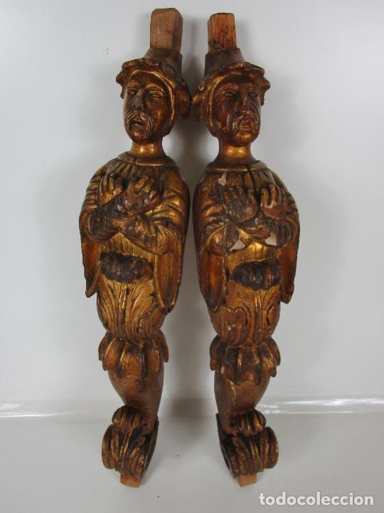 PAREJA DE TALLAS DE MADERA - FIGURAS ORIENTALES - ESTÍPITES - DORADOS EN PAN DE ORO - S. XIX (Arte - Escultura - Madera)