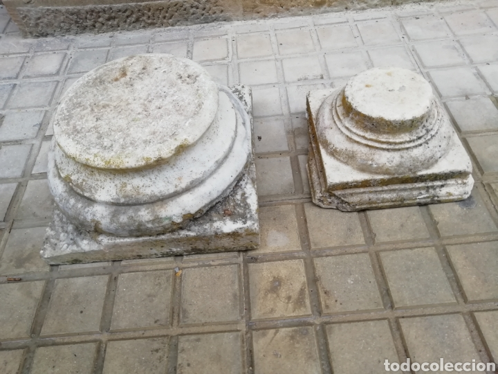 2 CAPITELES ANTIGUOS DE MÁRMOL (Arte - Escultura - Piedra)
