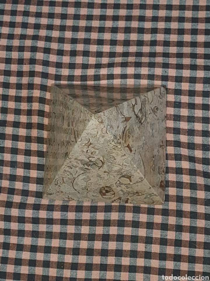 PIRÁMIDE DE PIEDRA PULIDA 10 CM X 10. (Arte - Escultura - Piedra)